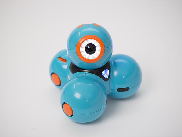Wonder Workshop Teaches Children to Code Using App, Robots